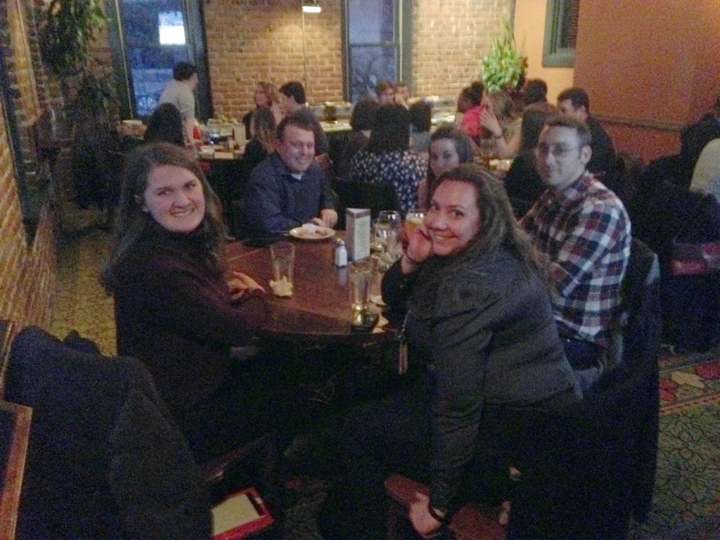 Journalists enjoy conversation at the SPJ Region 7 Spring Conference meet-and-greet March 27.